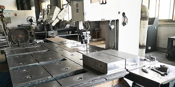 风雷益分享7075合金铝板轧制时出现翘曲现象及其原因!