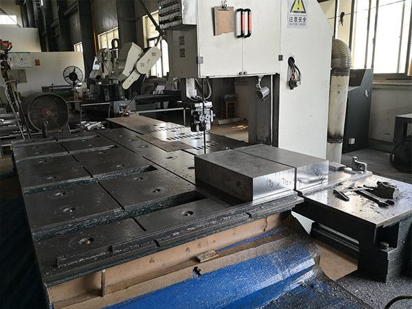 生产设备(锯床1)