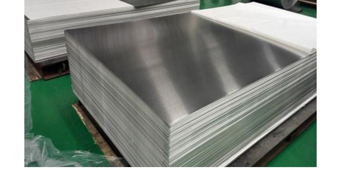 7075合金铝板中厚板压光矫直7大注意事项_风雷益铝业